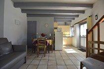 gite-clairiere-gouttieres-auvergne-reservation-location-63-puy-de-dome-combrailles-salon
