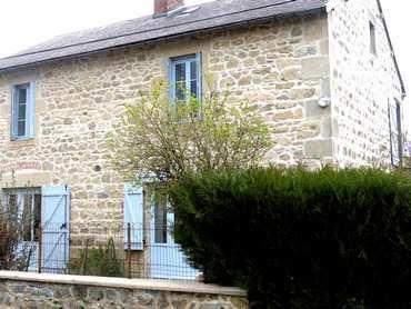 gites-lisisere-du-bois-gouttieres-auvergne-puy-de-dome-63-extérieur