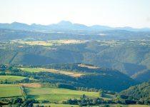 paysage-gite-la-clairiere-auvergne-gouttieres-63